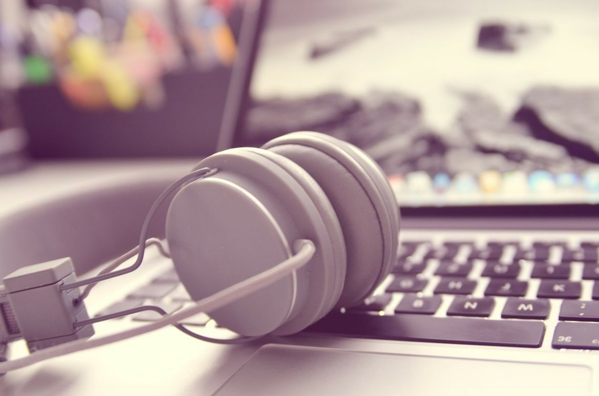 Tips to approach music blogs the right way and get your music features, posted - Headphones, writing