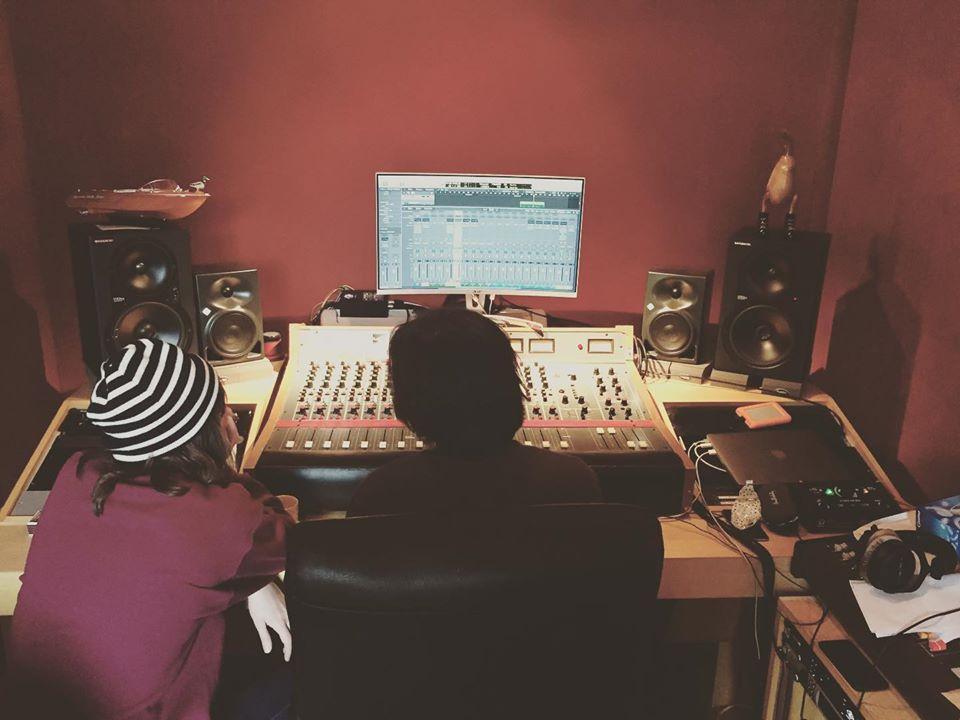 Extraa en studio