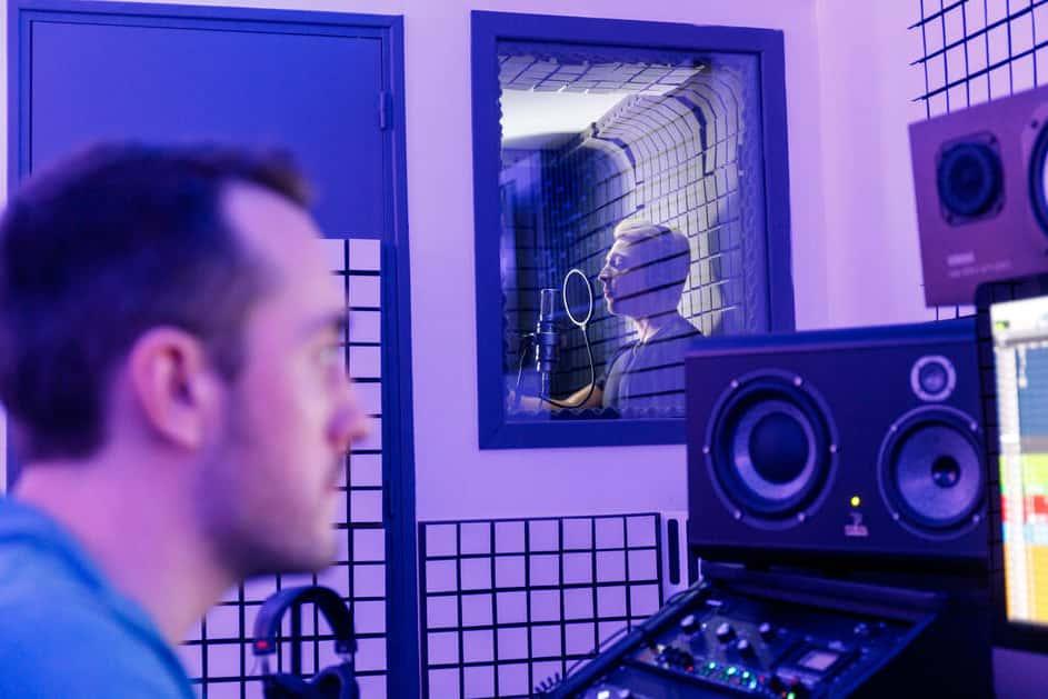 Session en studio de musique avec un ingénieur du son
